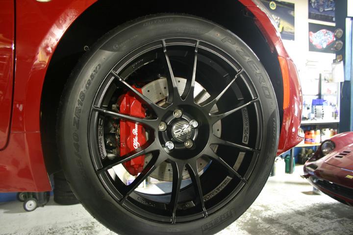 Alfa 4C OZ wheels